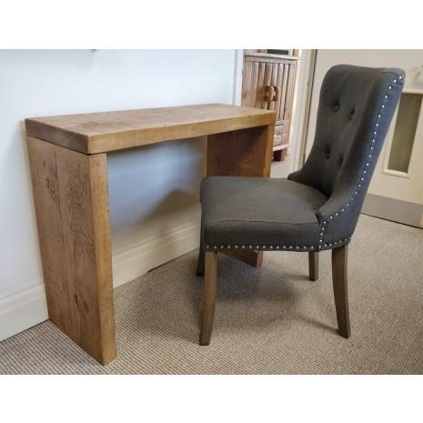Qube Desk