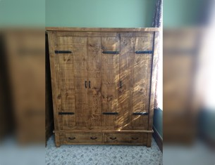 Farmhouse Triple Wardrobe with Drawers