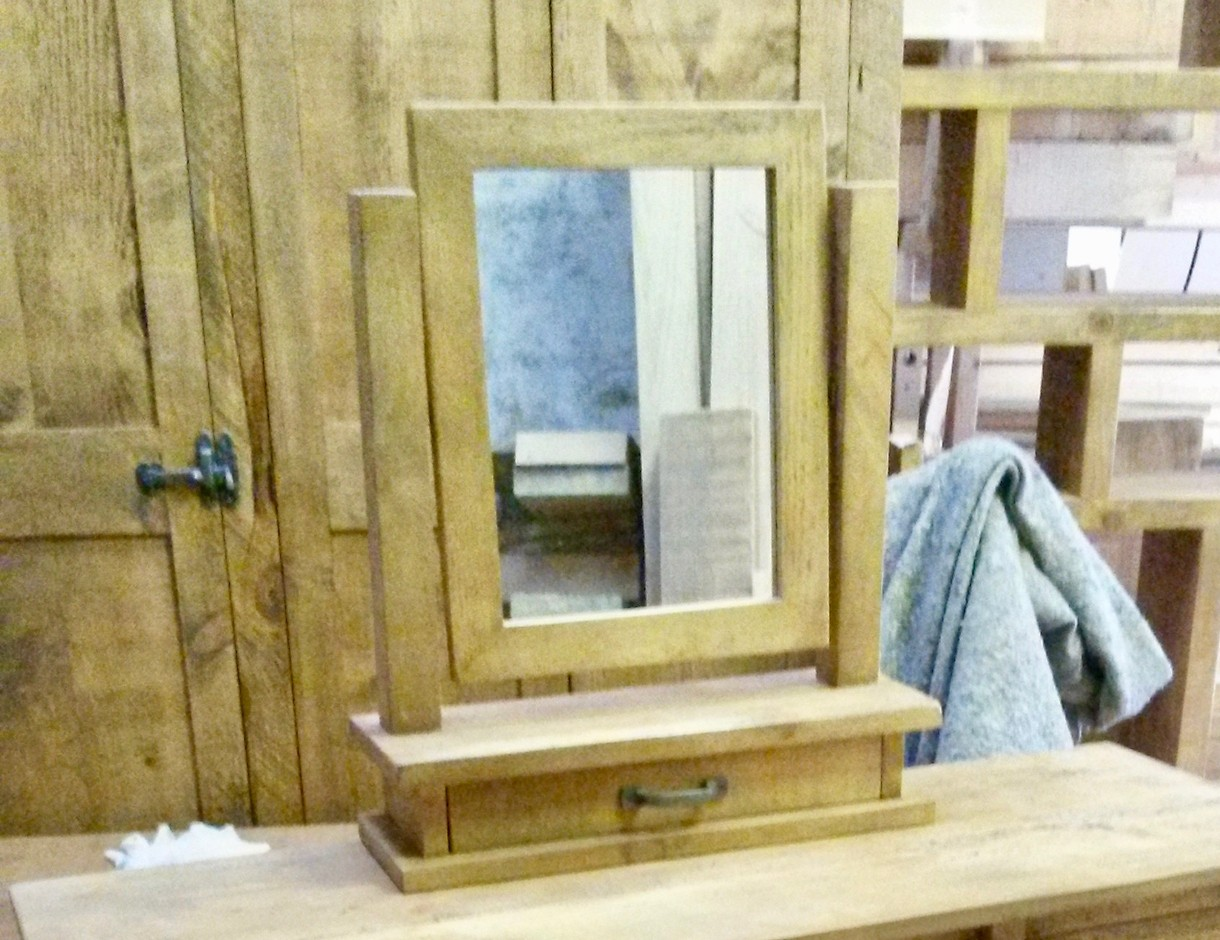 Dressing Table Mirror With Drawer